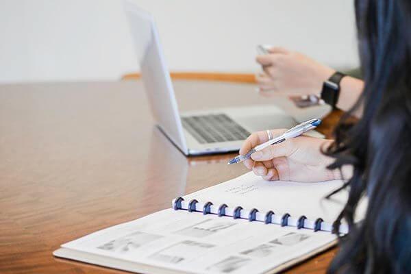 accounts-notepad-laptop